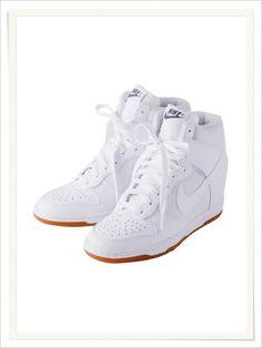 official photos 9a7a3 b7b6c I love these Nike wedge sneakers!! Tenis Tacon, Moda Adolescente, Zapatillas ,