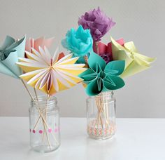 Here are some gorgeous Mother's Day flowers with a difference - they're all made from paper! In this tutorial, you will learn four different techniques for creating