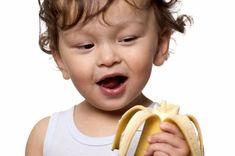 A banán az egyik legegészségesebb gyümölcs, mert tápanyagokat, rostot és különböző ásványi anyagokat tartalmaz. Az orvosok azt javasolják, hogy napi rendszerességgel fogyasszunk el 2 db banánt életünk végéig, így elkerülhetjük az egészségi problémák megjelenését. Az alma és a narancs mellett érdemes rendszeresen banánt is fogyasztani, mert nem csak finom, de[...]