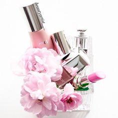 diorvalleyDior Beauty anyone?Creddit: beautyartist___ #Diorvalley #DiorBeauty #Vernis #Lipstick #Dior #Pink #Flowers