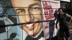 Homenaje a Hugo del Carril en el kiosko de la esquina de San Pedrito y Nazca. Painting, Fictional Characters, Hipster Stuff, Painting Art, Paintings, Fantasy Characters, Painted Canvas, Drawings