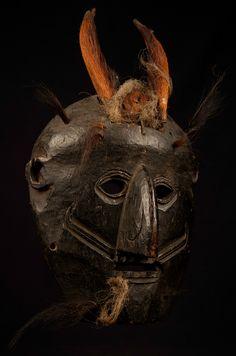 Shaman's  Mask  -  Naga  .