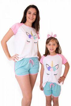 Kit Pijama Curto Mãe e Filha- Unicórnio Brilhante Cute Pajama Sets, Cute Pajamas, Pajamas Women, Lazy Day Outfits, Kids Outfits, Cute Outfits, Mother Daughter Matching Pajamas, Fashion Kids, Cute Sleepwear