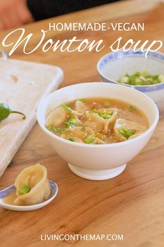 The most delicious and easy to make vegan wontons ! Homemade Dumplings, Dumplings For Soup, Wontons, Vegan Soup, Ravioli, Plant Based Recipes, Nepal, Vegan Recipes, Dishes