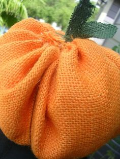 burlap pumpkins from bystephanielynn.com  @suzie que