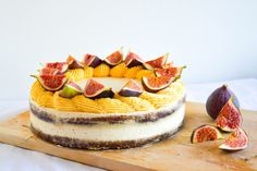 Pumpkin cake with fig filling, pumpkin frosting and fresh figs