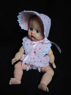 Honest Precious Moments Doll With Flannel Pajamas And Bonnet Dolls