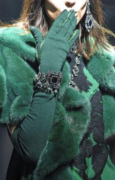 lanvin - dusky emerald green--love the green and black combo Fashion Details, Look Fashion, Paris Fashion, Womens Fashion, Fashion Models, Fashion Shoes, Girl Fashion, Lanvin, Winter Typ