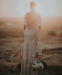 Best Photography Poses Couples Beautiful 36 Ideas Best photography poses beautiful 36 ideas for couples Pre Wedding Poses, Pre Wedding Shoot Ideas, Pre Wedding Photoshoot, Wedding Couples, Wedding Inspiration, Couple Photography Poses, Amazing Photography, Food Photography, Street Photography