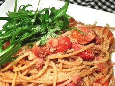 Spaghetti with Cherry Tomatoes and Bacon