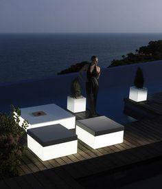 Vondom Hocker Mit Integrierter Beleuchtung Für Den Außenbereich | Design  Gartenmöbel | Pinterest