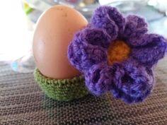Häkelanleitung Eierbecher Blume Ostern von Anni's Bastel - und Häkelstübchen auf DaWanda.com