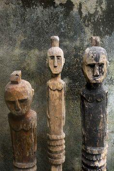 old wood kadauma sumba figures - primitive art.