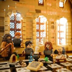 Harry Potter Dolls, Harry Potter Stories, Lego Harry Potter, Lego Hogwarts, Photo Lego, Lego Humor, Tres Belle Photo, Spiderman, Lego Worlds