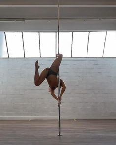 Pole Fitness Moves, Pole Dance Moves, Pole Dancing Fitness, Aerial Hoop, Aerial Silks, Video Pole Dance, Pool Dance, Pole Classes, Stripper Poles