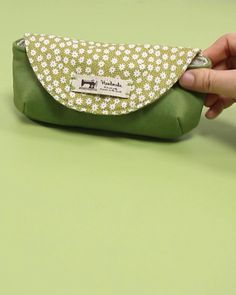 Small Sewing Projects, Sewing Crafts, Sewing Diy, Free Sewing, Sewing Hacks, Sewing Ideas, Diy Bags Patterns, Purse Patterns Free, Diy Bag Designs