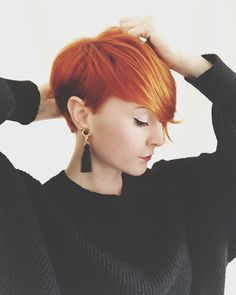 Platinum Blonde Pixie with Side Bang - 30 Standout Curly and Wavy Pixie Cuts - The Trending Hairstyle Short Punk Hair, Short Dyed Hair, Short Hair Cuts, Haircuts For Curly Hair, Pixie Hairstyles, Curly Hair Styles, Red Pixie Haircut, Magenta Hair Colors, Ginger Hair Color