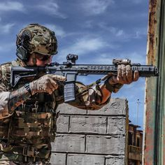 Salient Arms International GRY (AR15) in .223 Wylde and finalizing/testing 300 Blk. @banksmedia @mitchell__mcalister @lbtinc