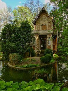 Château d'if Alexandre Dumas' Cottage, Marly le Roi, France