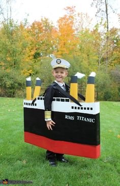 ▷ unique selbstgemachte Kostüme – tolle DIY Kleidung carnival costumes tinker homemade costumes captain of titanic // DIY halloween costume captain boat Carnaval Costume, Costume Garçon, Homemade Halloween Costumes, Halloween Costume Contest, Boy Costumes, Halloween Kids, Costume Works, Costume Ideas, Halloween Couples