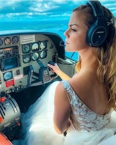 See the flight schedule, as well as track the flight online. Find cheap flights, as well as special offers for flights from world airlines Emirates Flights, Flight Girls, Pilot Quotes, Futuristic Shoes, Airplane Wallpaper, Female Motorcycle Riders, Delta Flight, Becoming A Pilot, Flight Status