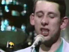 The Pogues With The Dubliners singing the irish rover- classic....Highlight: Shane Mcgowan before he got his teeth fixed..wow, now we can see why