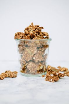 Granola with huge clusters and a warm maple, cinnamon flavor, reminiscent of your childhood teddy grahams. Sprinkle on yogurt, serve with milk or snack by the handful.