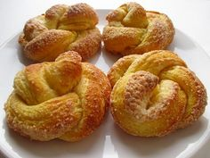 Vízen kullogó can be called the Hungarian brioche, which is, however, undoubtedly much better than the French version. It was generally baked for weddings and christening feasts.