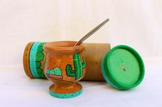 Mate, caja Painted Wooden Boxes, Painted Trays, Painted Pots, Love Mate, Pottery Painting, Mole, Handicraft, Martini, Baby Shower