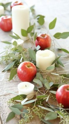 Easy 5 minute Thanksgiving or Christmas table setting that anyone can create without effort! Easy 5 minute Thanksgiving or Christmas table setting that anyone can create without effort! Thanksgiving Decorations, Seasonal Decor, Christmas Decorations, Holiday Decor, Apple Decorations, Thanksgiving Ideas, Thanksgiving Wedding, Christmas Centerpieces, Thanksgiving Tablescapes