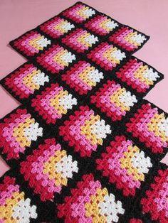 Ideas for crochet granny square blanket ideas afghans Granny Square Häkelanleitung, Granny Square Crochet Pattern, Crochet Flower Patterns, Crochet Squares, Crochet Granny, Crochet Blanket Patterns, Crochet Motif, Crochet Designs, Mitered Square