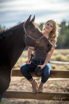 Larissa Anderson's Senior Portraits in Durango Colorado - Durango Wedding and Family Photographers - Allison Ragsdale Photography - Professional fall senior portraits with horses ideas You are in the right place about Senior Pictur - Cute Horse Pictures, Horse Senior Pictures, Senior Picture Outfits, Senior Pictures Boys, Horse Photos, Western Baby Pictures, Senior Pics, Horse Girl Photography, Senior Portrait Photography