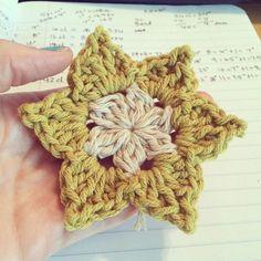 Pointed Petal Flower Pattern Free Crochet Pattern
