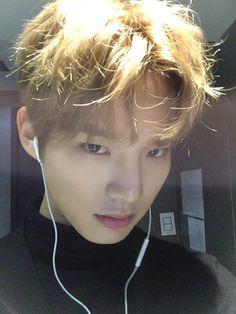 Kim Yoon Dong 김윤동 || Halo || 1995 || 176cm || Rapper || Maknae