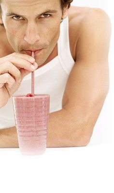 Beat protein shake taste fatigue by adding these unconventional flavor boosters to your blender. (Because what motivates more than a man sexily drinking a shake? Protein Shake Ingredients, Protein Rich Foods, Vegan Protein, Protein Shakes, Smoothies, Clean Eating Recipes, Healthy Recipes, Daily Burn, Man Food