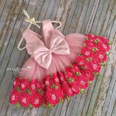 Hi moms, if you are looking for a baby girl dresses designs for your daughter… It provides a lot of latest baby girl clothes designs. And I recommend you a baby frock design for baby or frock design. Baby Girl Dress Design, Little Girl Dresses, Girls Dresses, Flower Girl Dresses, Toddler Dress, Baby Dress, Pink Dress, Rose Dress, Dress Girl