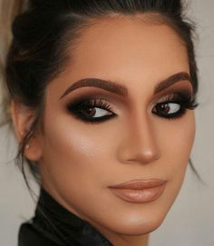 49 Natural Smokey Eye Makeup Looks Outstanding - brown eyes - Make Up Makeup Trends, Makeup Inspo, Makeup Inspiration, Smokey Eye Makeup Look, Eye Makeup Tips, Makeup Hacks, Smoke Eye Makeup, Makeup Products, Makeup Tutorials