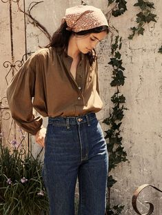 Fashion Tips Shirts The Aldine Top our autumn henley update to our beloved Jane Blouse.Fashion Tips Shirts Fashion 2020, Look Fashion, Girl Fashion, Autumn Fashion, Fashion Outfits, Womens Fashion, Fashion Pants, Vintage Fall Fashion, 70s Fashion
