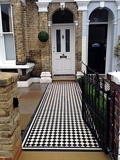 Victorian Front Garden, Victorian Terrace Interior, Modern Victorian, Front Walkway, Front Courtyard, Front Steps, Front Porch, Victorian Mosaic Tile, Modern Kitchen Tiles