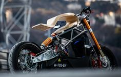 The E-RAW by Essence Motorcycles: a whole new concept of the electric motorcycle. Check out this amazing EV-bike with specs and pictures Bobber Custom, Custom Cafe Racer, Cafe Racer Bikes, Custom Motorcycles, Custom Bikes, Cafe Racers, Cafe Bike, Racing Rims, Moto Cafe