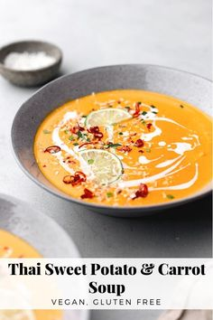 Sopa tailandesa de camote y zanahoria , Sweet Potato Carrot Soup, Vegan Carrot Soup, Vegan Soups, Vegetarian Meals, Sweet Soup, Thai Carrot Soup, Fresh Potato, Carrot Ginger Soup, Thai Soup