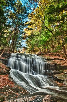 ✮ Chapel Brook Falls - New England.....I've been here!!!! Cut my teeth climbing these walls!!!
