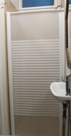 Shower Door With Retractable Storage Built In Squeegee Too Rv Living In 2019 Shower Doors