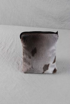sælskind Inuit Clothing, Skin Craft, Ipad, Skin Products, Furs, Pattern Making, Sewing Ideas, Diy And Crafts, Disney