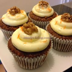 Mandy's baking journey: Carrot cupcakes with cream cheese frosting
