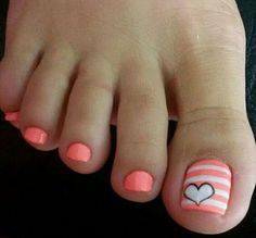 Cool summer pedicure nail art ideas 3