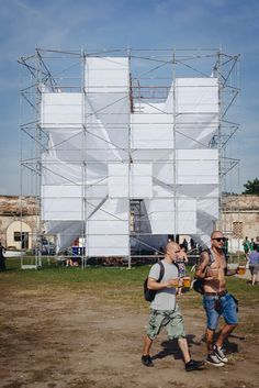 Atelier MASS designed the visual elements in a music festival. Container Architecture, Landscape Architecture, Temporary Architecture, Temporary Structures, Outdoor Theater, Beach Cafe, Outdoor Restaurant, Digital Technology, Installation Art