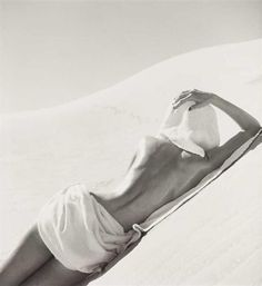 """by Louise Dahl-Wolfe, """"Nude in Mojave Desert, California"""", 1948 - (born November 1895 – died December was an American photographer. She is known primarily for her work for Harper's Bazaar, in association with fashion editor Diana Vreeland. Diana Vreeland, Nude Photography, Creative Photography, Black And White Photography, Fashion Photography, Desert Photography, Figure Photography, Richard Avedon, Vivian Maier"""