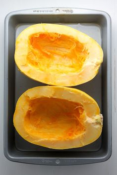 An easy tutorial on how to cut, de-seed, and roast spaghetti squash. Spaghetti squash makes for a delicious and healthy gluten-free meal! Healthy Gluten Free Recipes, Ww Recipes, Cooking Recipes, Spaghetti Squash Pasta, How To Make Spaghetti, Baked Potato Soup, Foods To Eat, Weight Watchers Meals, Vegetable Recipes