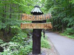 Пещера Медведя. Польша.jaskinia niedzwiedzia, kletno,Одна из самых известных туристических достопримечательностей загадочных Судет – Яскиня Недзведзя (пещера медведя). Это уникальное природное творение будоражит умы и взоры не только фантастическими формами пещерных образований, но и интересной историей, согласно которой в этом месте проживали крупнейшие медведи, когда-либо населявшие нашу планету.